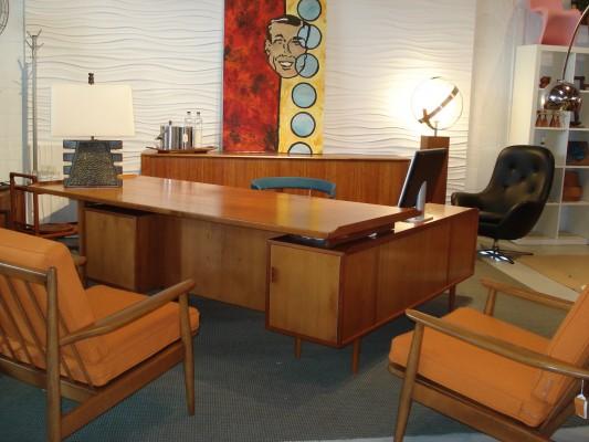 Home Anthology Arne Vodder Desk