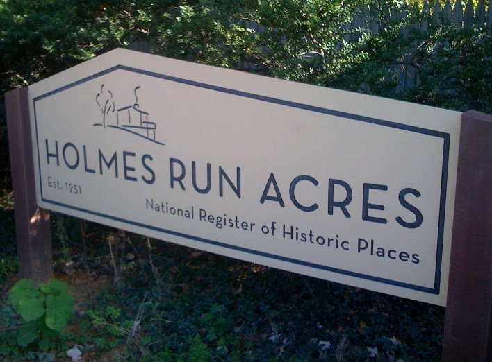 Holmes Run Acres sign