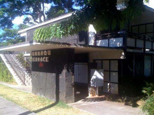 Mid-Century Apartment in Honolulu