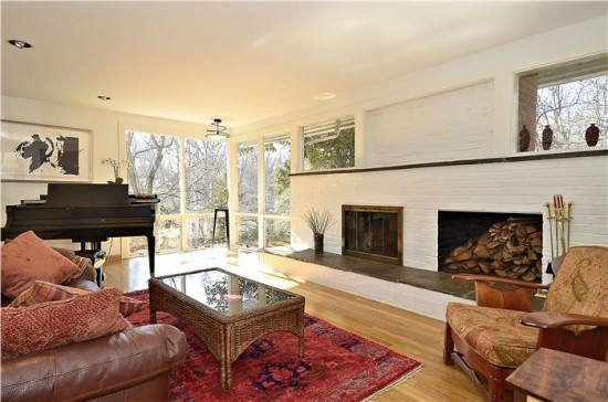 3915 Rickover_Main Level-Living Room