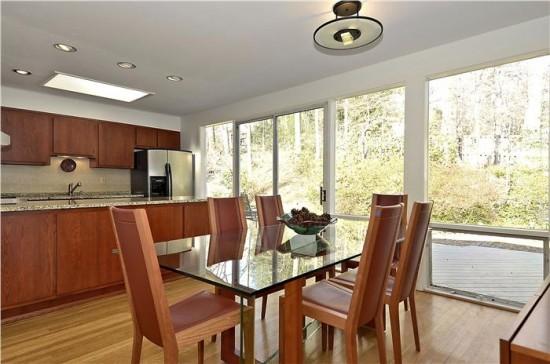 3915 Rickover kitchen-dining