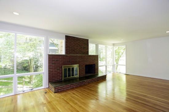 3912_Rickover_Road_living room