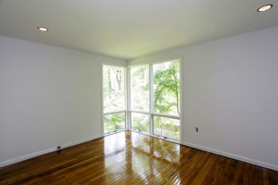 3912_Rickover_Road_bedroom