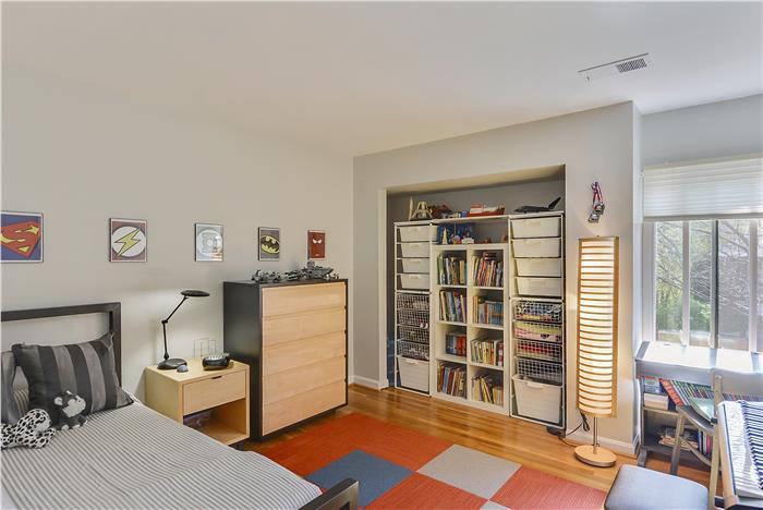 Web_Upper-Level-Bedroom_3