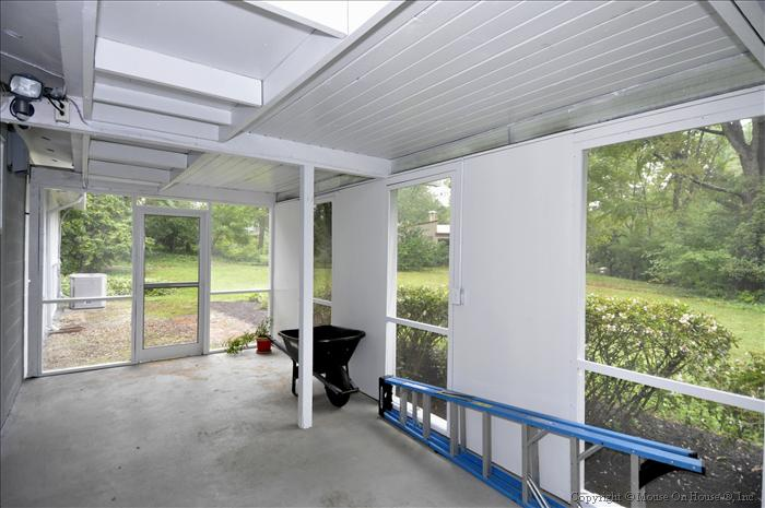 web_exterior-covered-patio