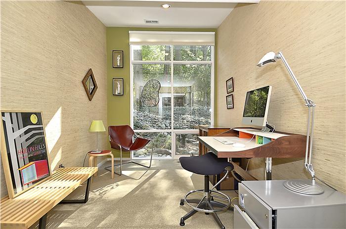 web_main-level-bedroom_1