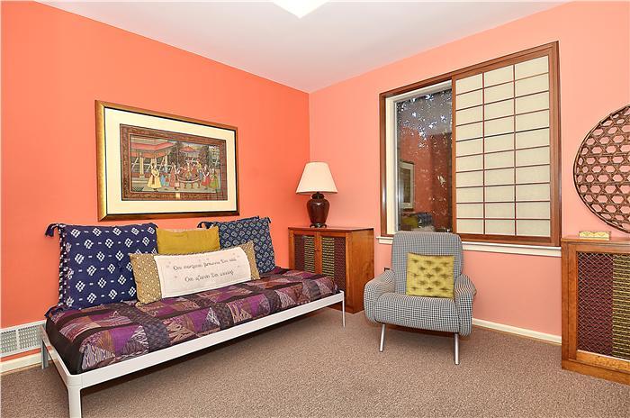 web_main-level-bedroom_2