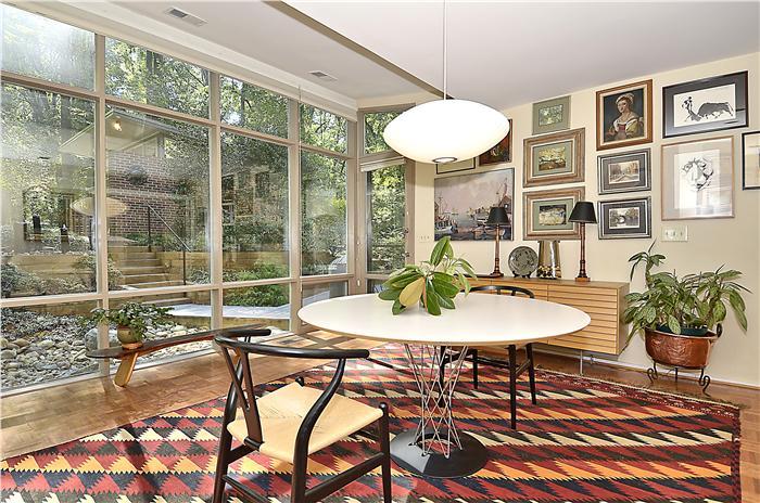 web_main-level-dining-room1