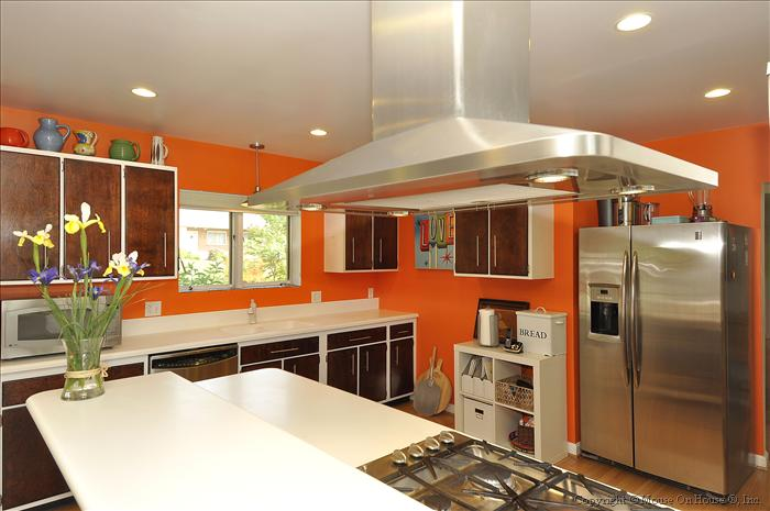 web_main-level-kitchen-1-1