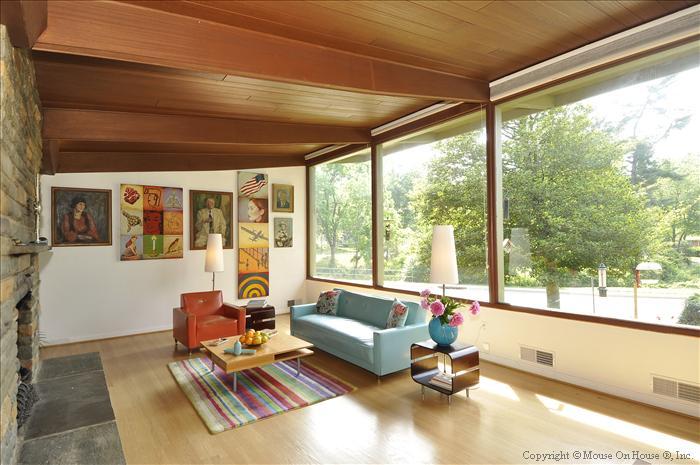 web_main-level-living-room-2