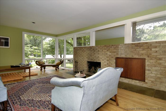 web_main-level-living-room_0