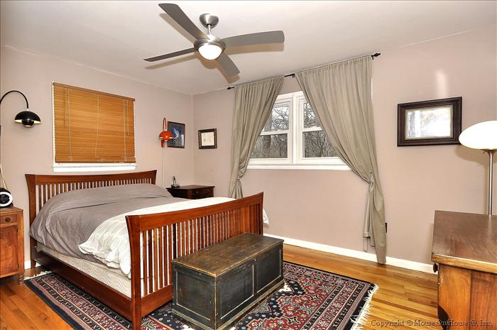 web_main-level-master-bedroom