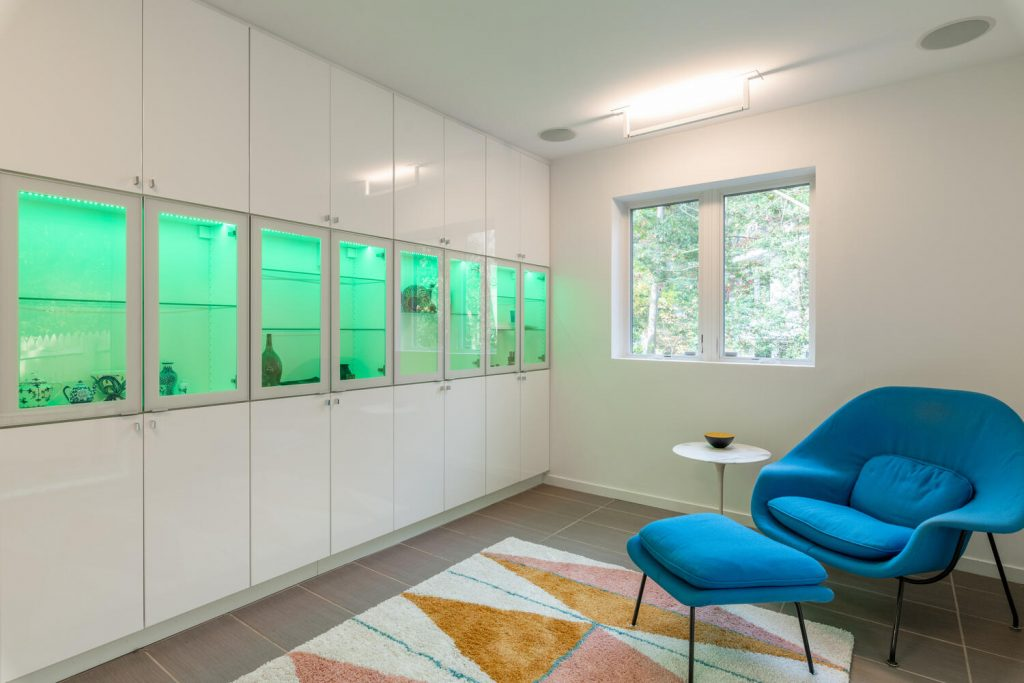 Custom mid-century modern home in Chevy Chase by renowned female modernist architect Chloethiel Woodard Smith.