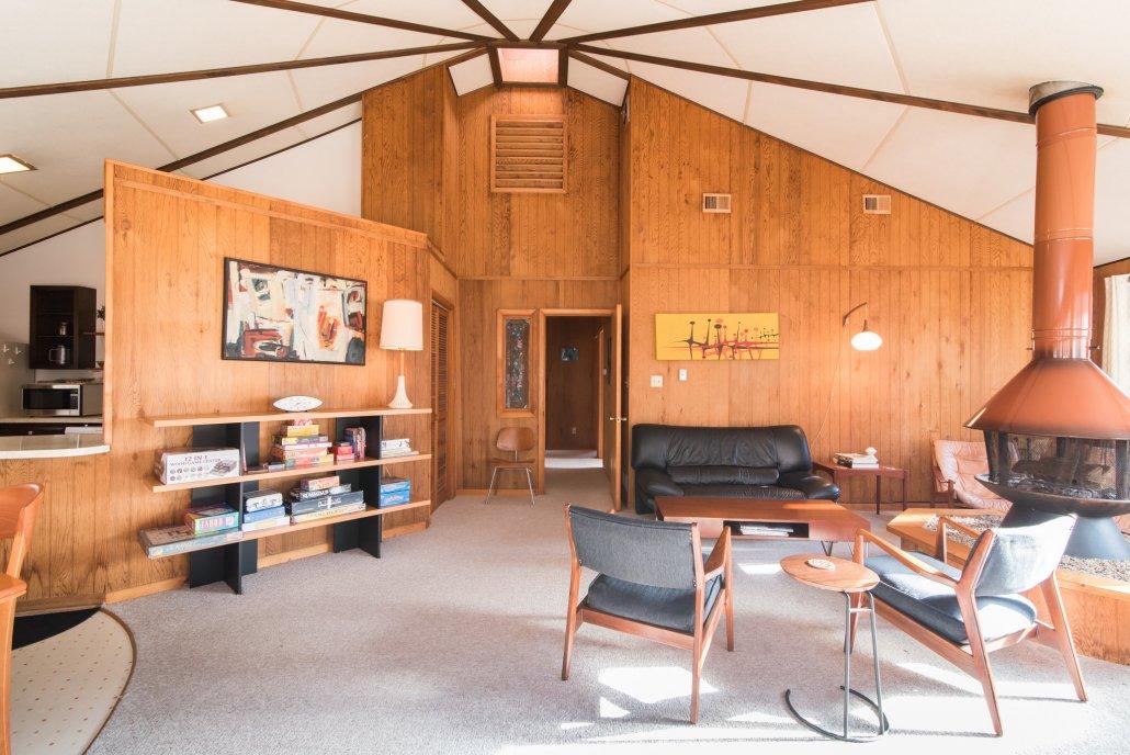 Mid-century modern 'half round' cabin in Coolfont.